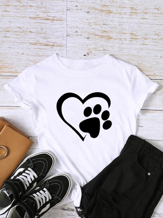 Footprint And Heart Tshirt ZX06